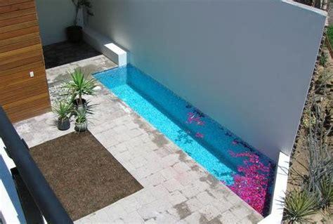 Piscinas para patios pequenos ideas for Depuradora piscina pequena carrefour