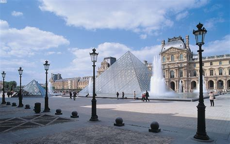 The Louvre Pyramid Tourism Wallpaper - HD Wallpapers