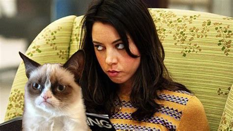Video Simulation -Aubrey Plaza As Grumpy Cat in New Movie ...